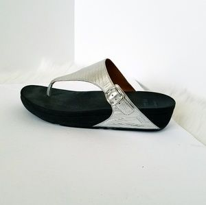 Shoes - Fitflop Silver Embossed (Croc) Sandals
